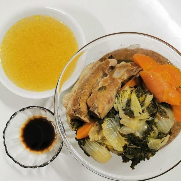 白菜紅蘿蔔排骨湯