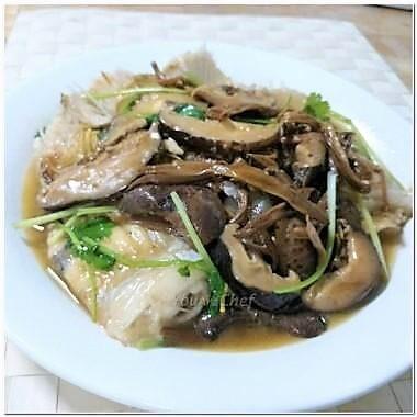 花菇金針燜魚腩